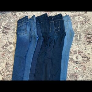 7 pairs of jeans! (6) AE jeans (1) Old Navy jeans